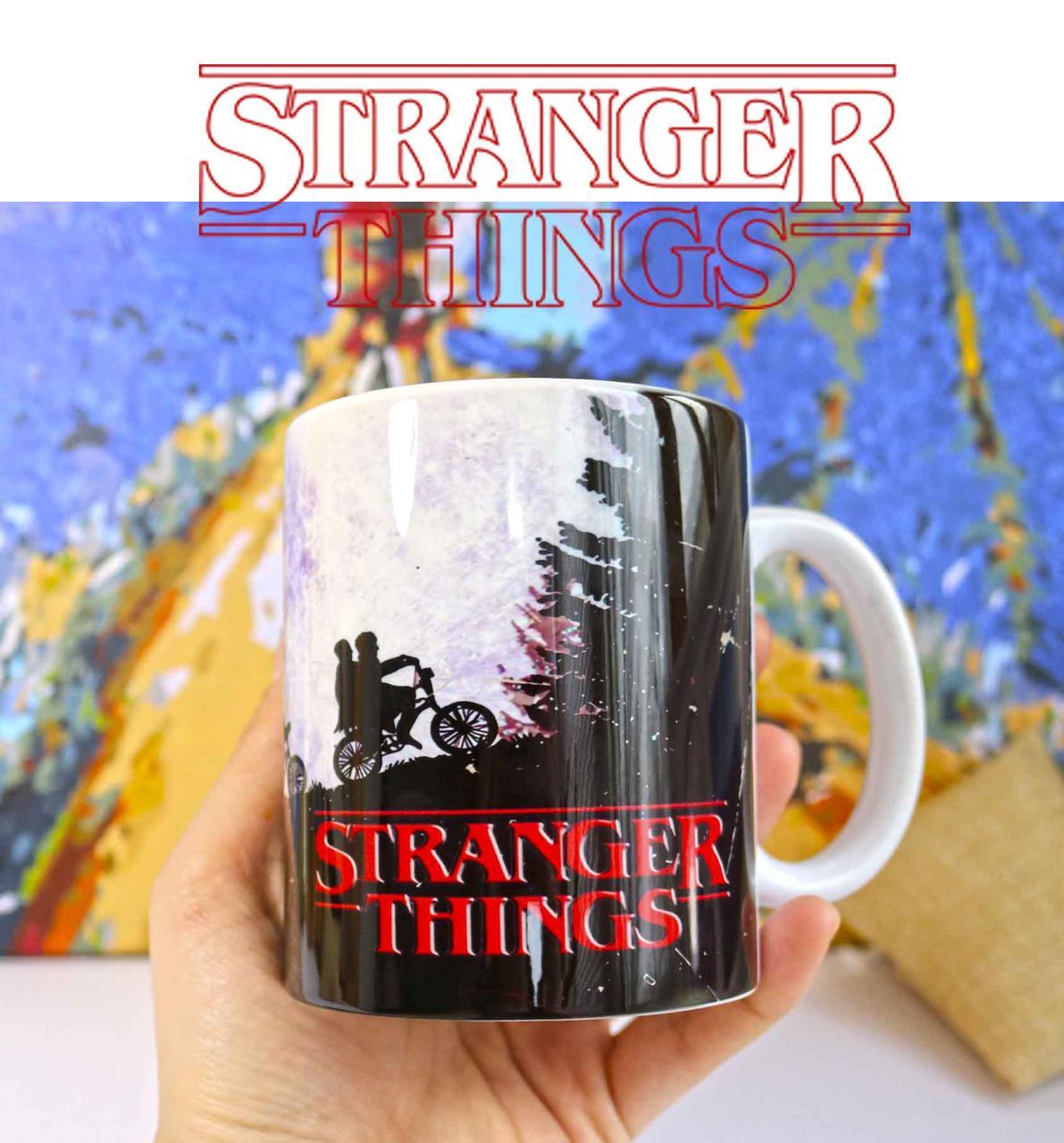 Чашка Очень странные дела / Stranger Things сиреневая
