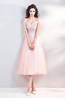 Платье выпускное  розового цвета  с расшитым лифом