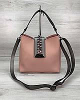 Стильная женская сумка среднего размера пудрового цвета 22х25х10 см