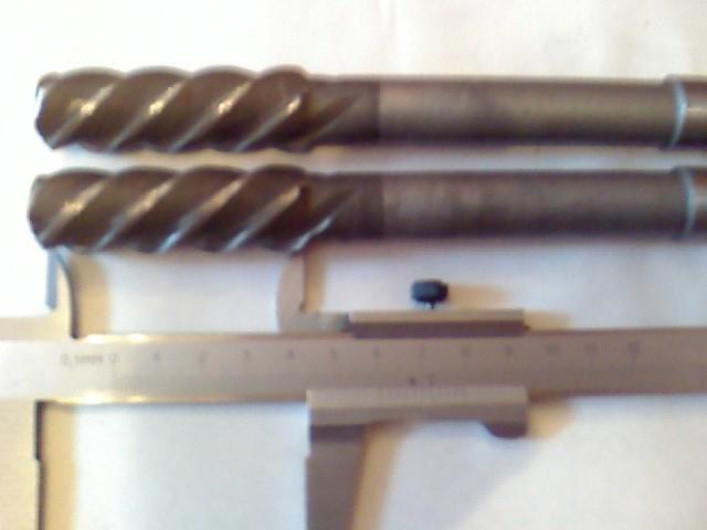 Развёртка машинная винтовая 20Н7