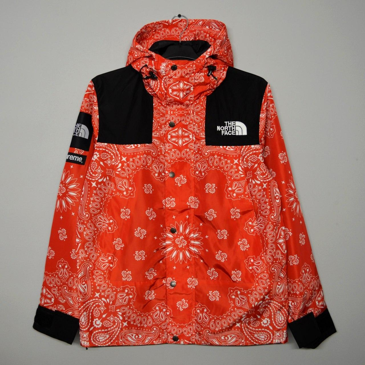 Куртка Supreme x The North Face bandana red