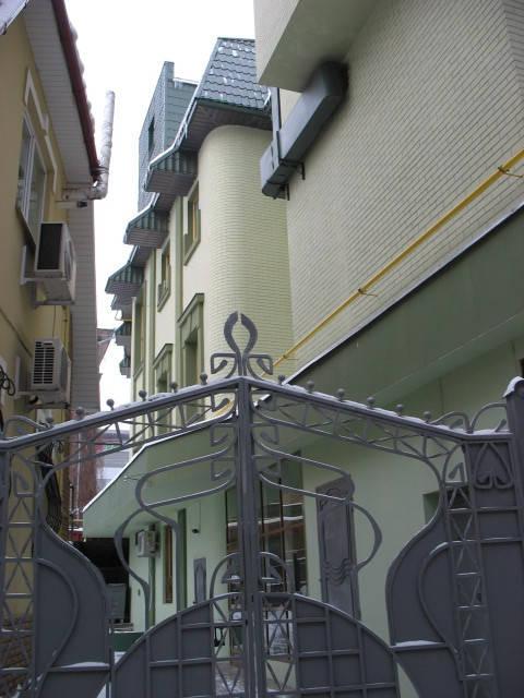 Декоративная штукатурка и покраска фасада.  30