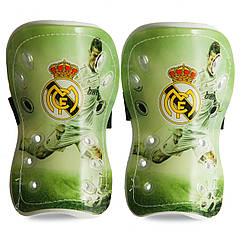 Щитки футбольные детские Клубные 629 (пластик, цвета в ассортименте)