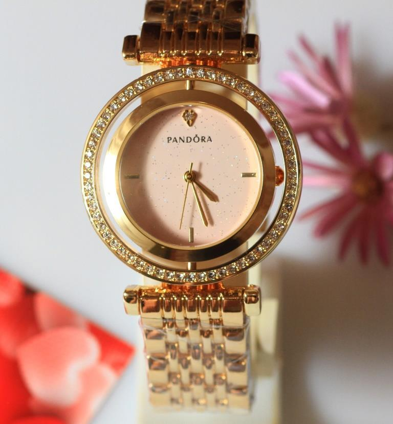 Наручные кварцевые часы HS0063 с металлическим браслетом золотистого цвета