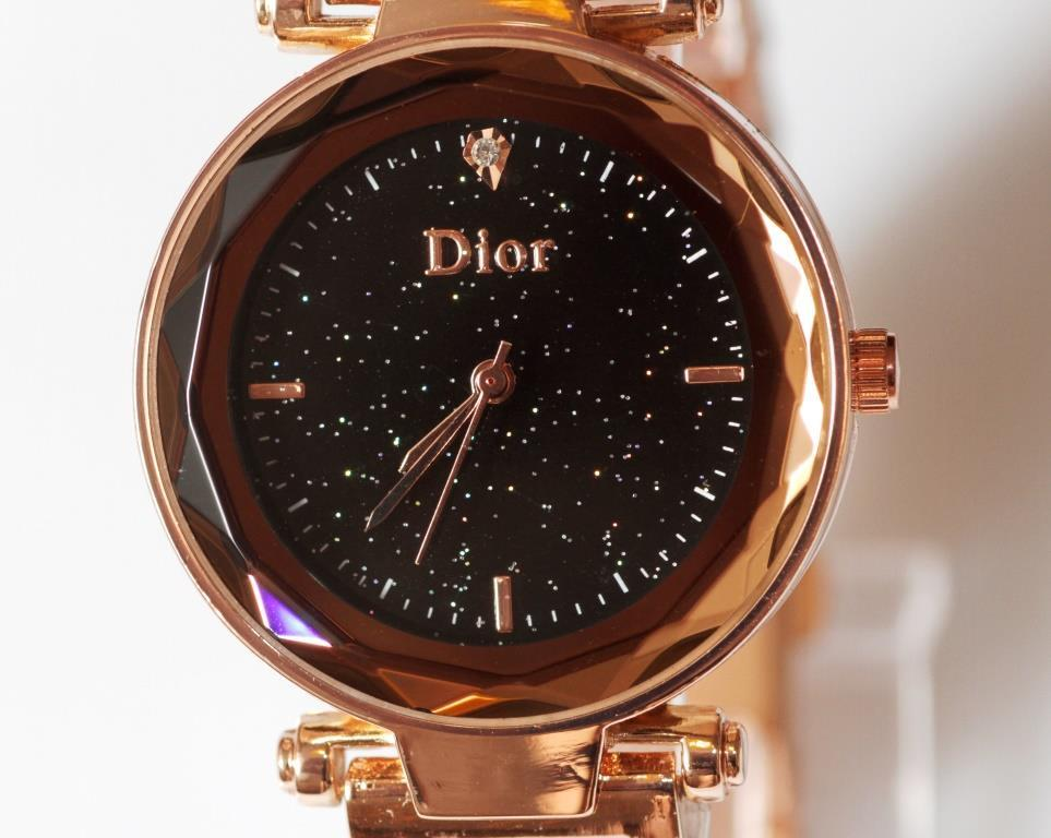 Наручные кварцевые часы HS0076 с металлическим браслетом золотистого цвета