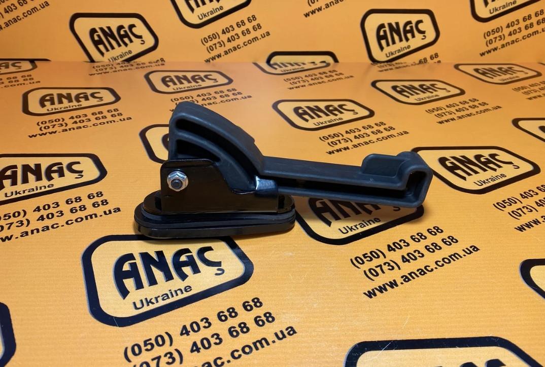 Ручка для бокового стекла, правая на JCB 3CX, 4CX номер : 331/38532R, 116/00822