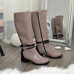 Сапоги кожаные женские на невысоком каблуке, цвет визон/черный