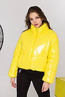 Укороченная женская куртка на весну.