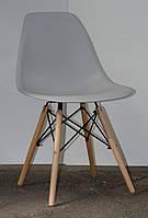 Стул из пластика Nik - N (Ник Н) серый 10 на деревянных ножках