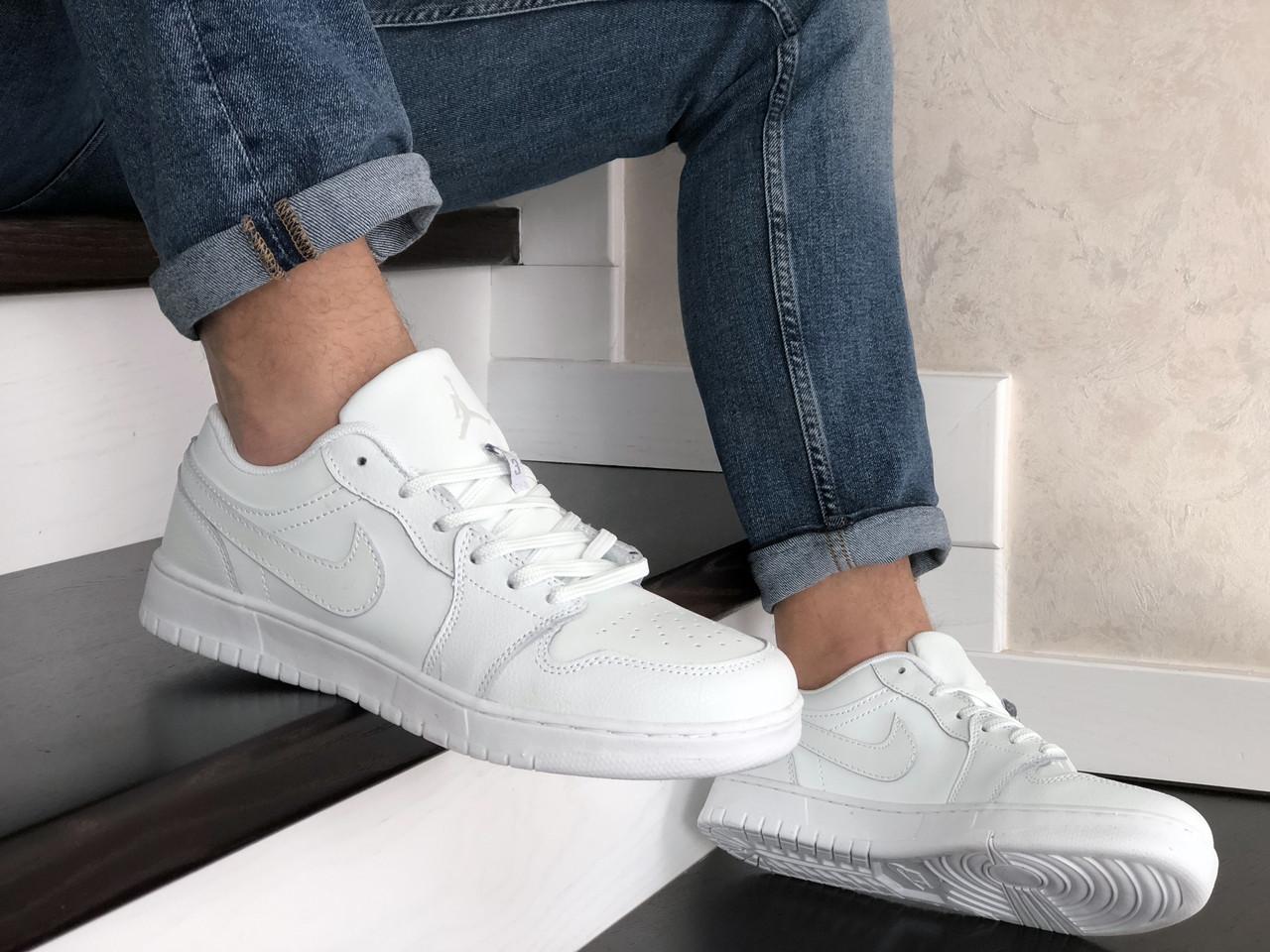 Мужские весенние кожанные кроссовки белые Air Jordan 1 Low