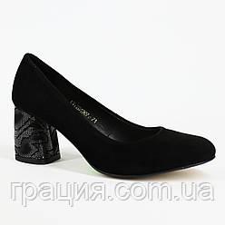 Модные женские туфли замшевые натуральные на не большем каблуке