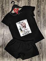 Черный комплект в пижамном стиле футболка и шорты с аппликацией.