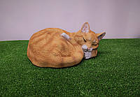 Садовая фигура спящий рыжий кот. декоративная садовая фигура.