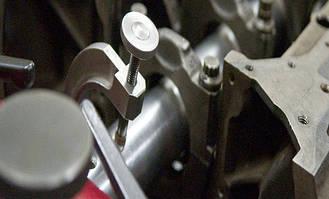 Верстати для ремонту двигунів