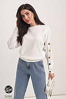 Женский джемпер белого цвета с планкой из пуговиц. Модель 24380