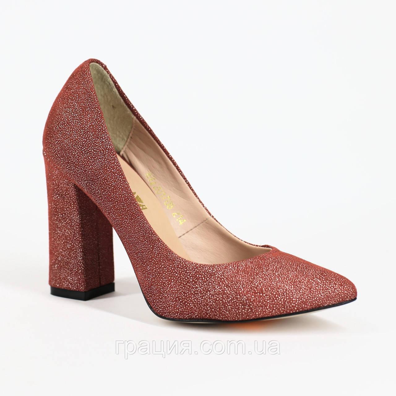 Елегантні жіночі червоні туфлі замшеві натуральні на підборах