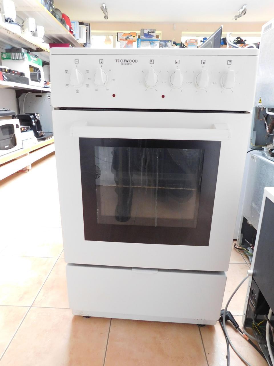 Кухонная плита электрическая Techwood, б\у с керамическим верхом