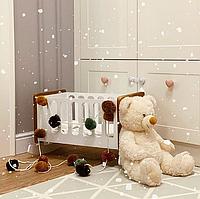 Детская кроватка для игрушек с вставками натурального дуба