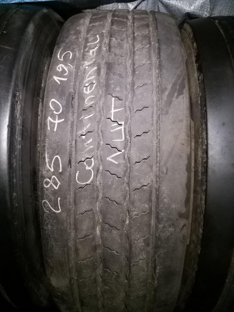 Вантажна шина б/у 285/70 R19.5 Continental, КЕРМО, одна, 10 мм