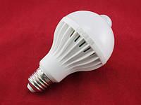 Лампа светодиодная с датчиком движения E27, 24 LED 9Вт