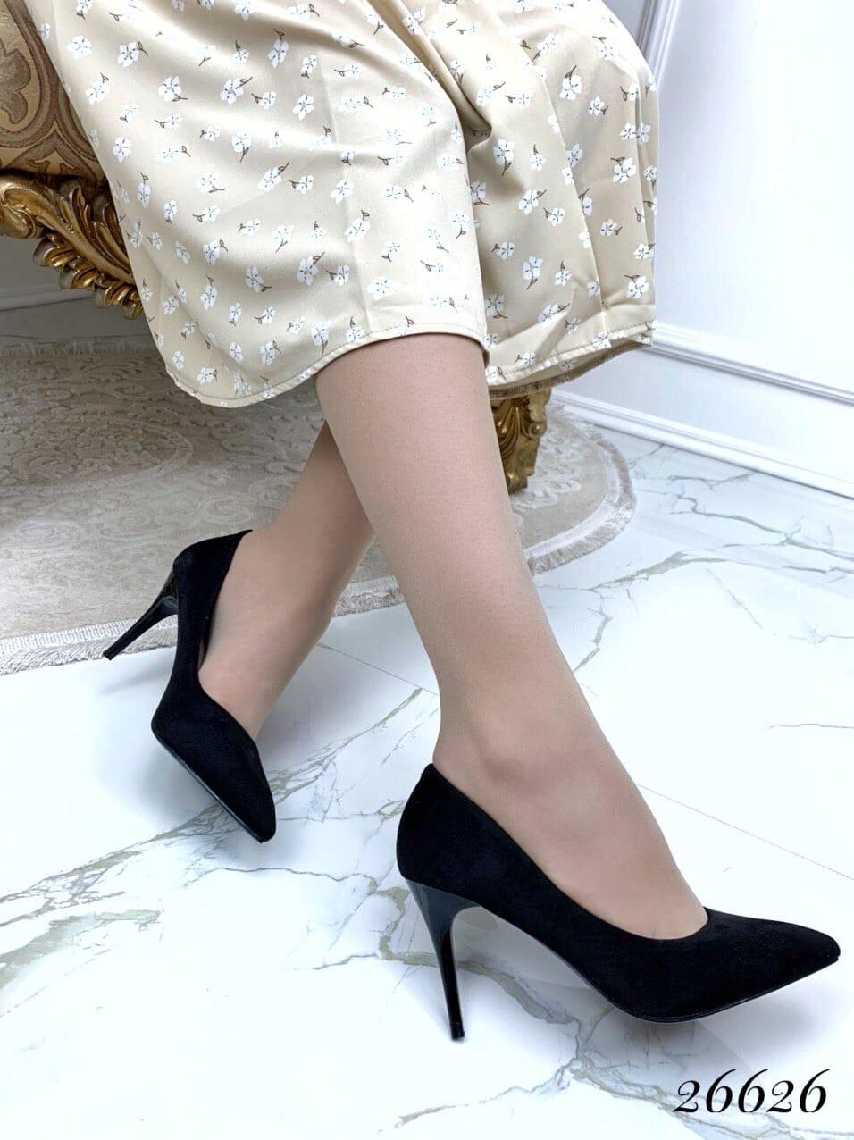 Туфли на шпильке острый нос замшевые черный