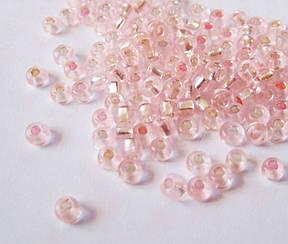 Бисер круглый светло розовый №10 2.3 мм  (110г) прозрачный