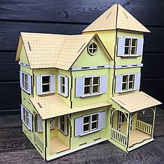 Большой кукольный домик из дерева