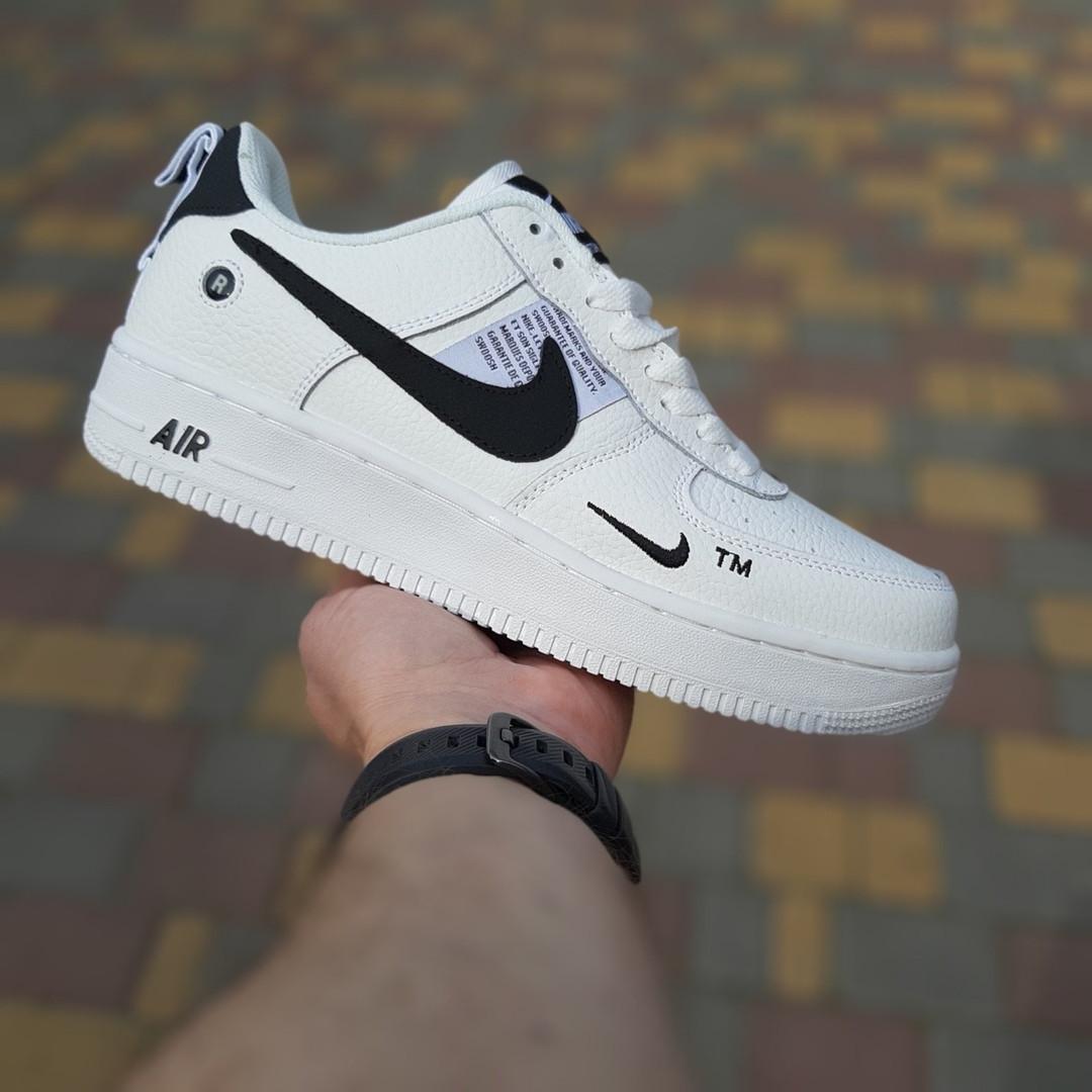 Женские кроссовки Nike Air Force 1 LV8 (бело-черные) 20036
