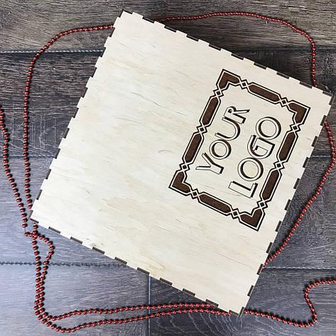 Подарочная коробка из дерева с ячейками и гравировкой, фото 2