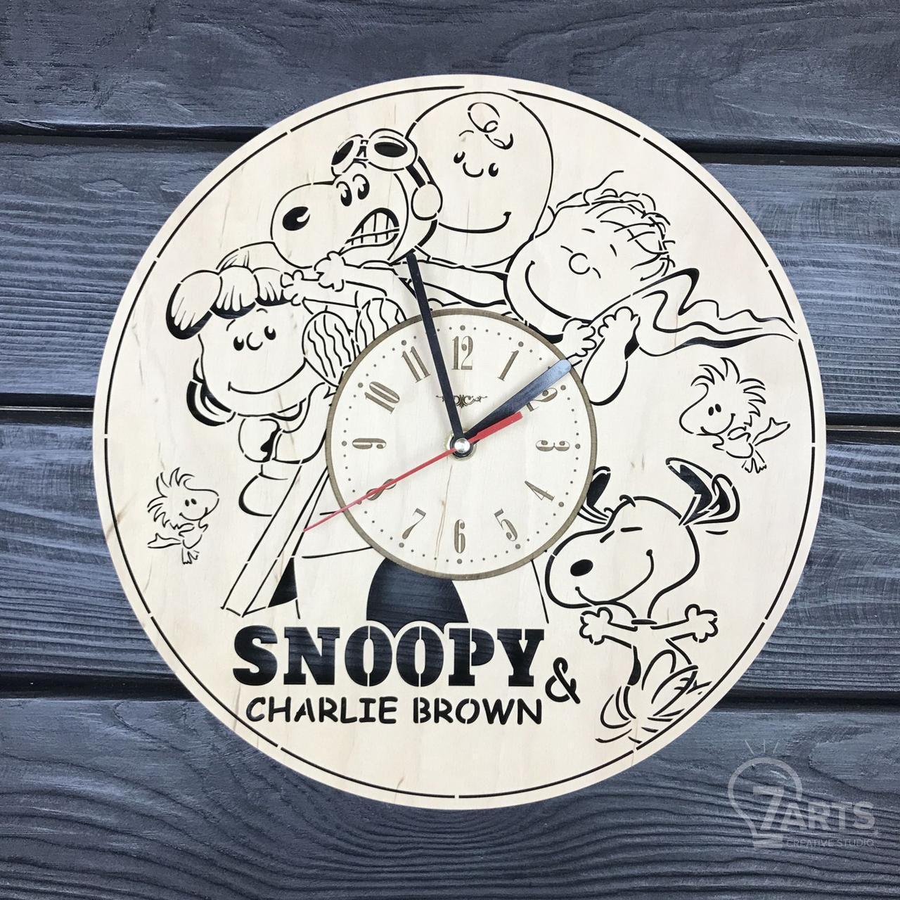 """Бесшумные настенные часы в детскую """"Снупи"""""""