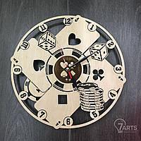 Настенные часы с деревянным циферблатом «Покер»