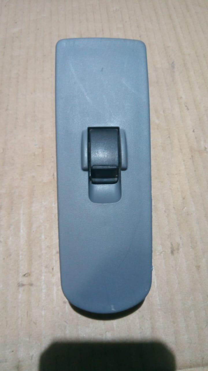 Кнопка стеклоподъемника пасажирская MN141018 81416100 Colt CZ 3 Mitsubishi