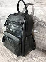 Женский рюкзак кожаный городской чёрного цвета с принтом