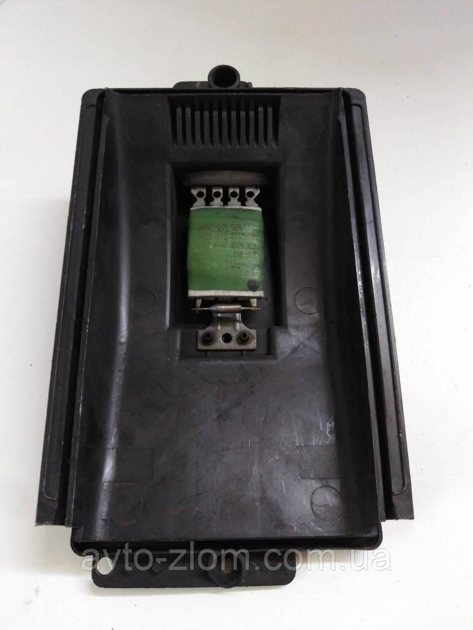 Реостат, резистор печки Volkswagen Golf 4, Bora, Гольф 4, Бора. 1J0819022.