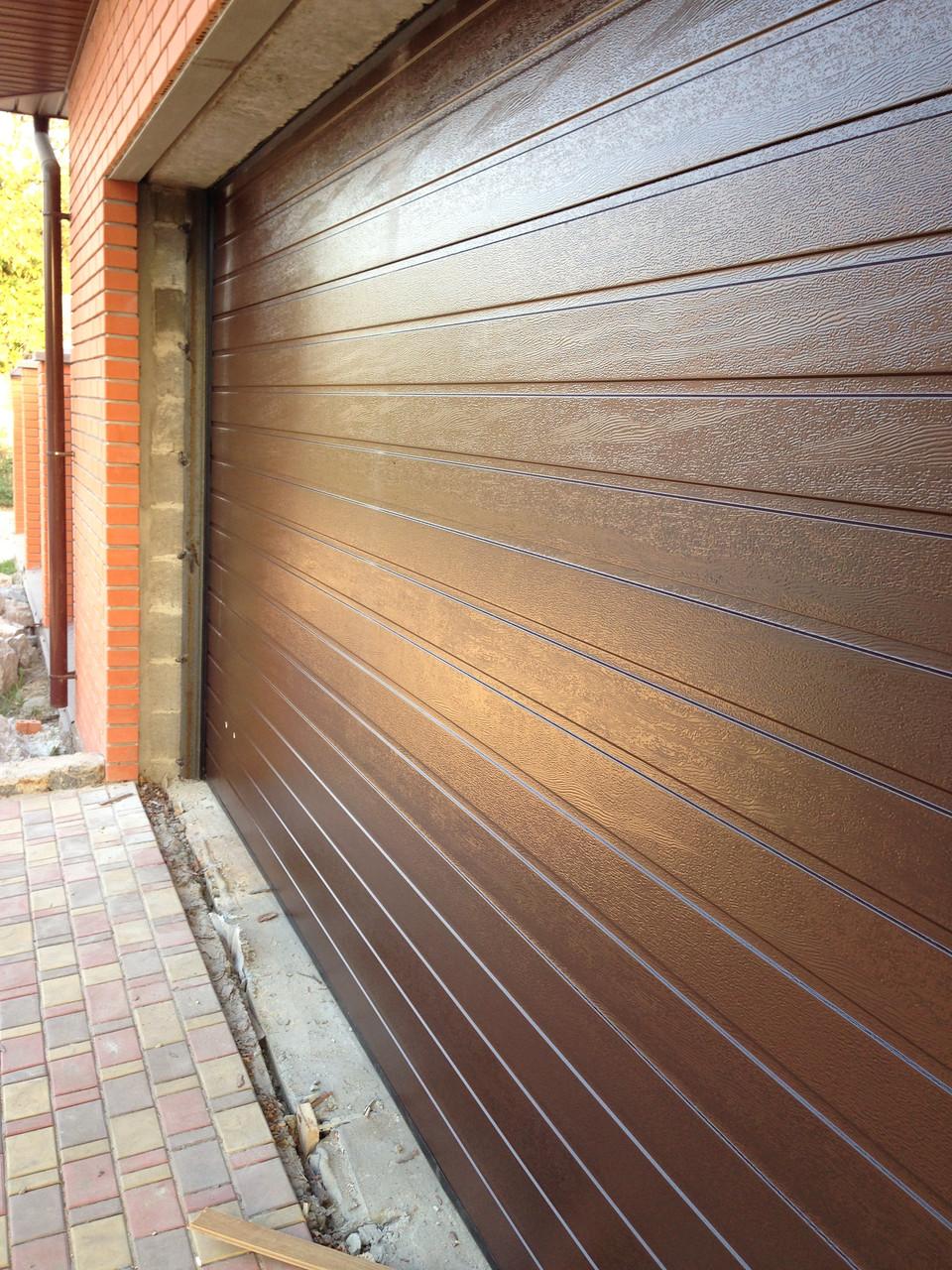 Гаражные ворота(секционные) 3125*2500 Алютех серии TREND.