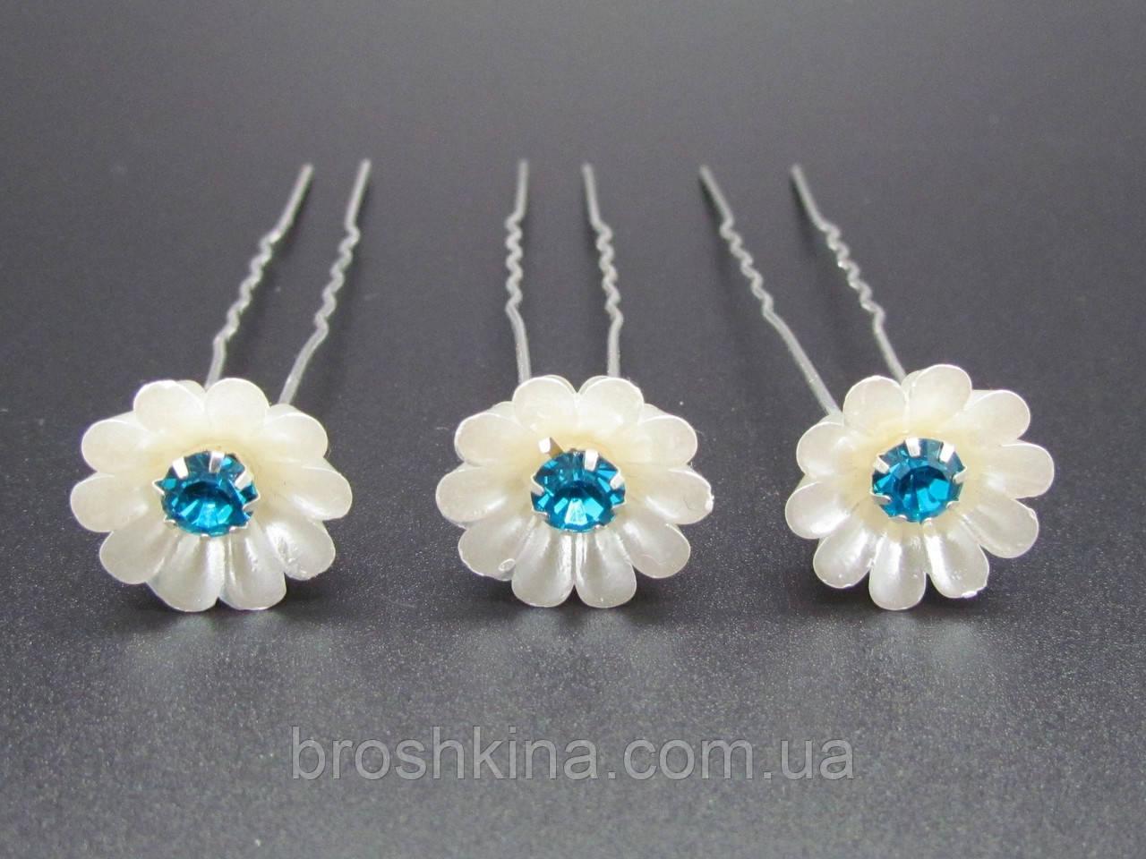 Шпильки цветок Ø 1.5 см голубые камни 20 шт/уп.