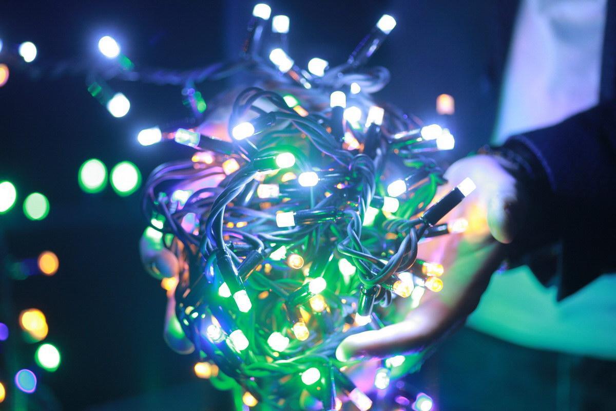 Уличная светодиодная гирлянда бахрома Lumion Icicle Light (Айсикл лайт) 90led наружная мультиколор с мерцанием