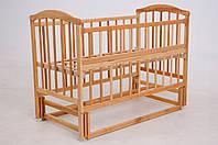 Детская кроватка «ЧАЙКА» натуральный лак с откидной боковиной, фото 1