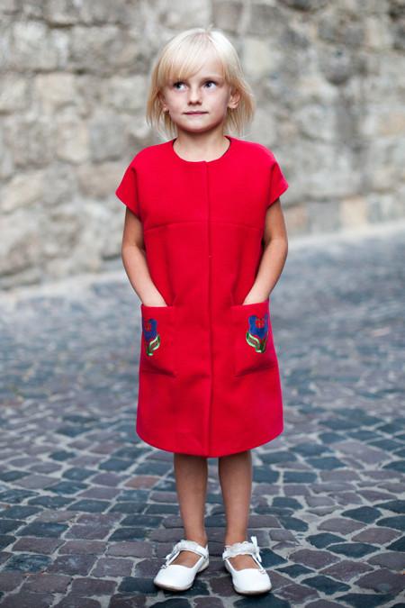 Пальто для дівчинки з коротким рукавом