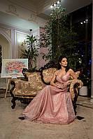 Плаття очень нарядное  в пол блестящее красивое декольте подчёркивает фигуру для девочки на выпускной вечирнее