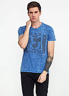 Светло-синяя футболка с надписью MSY