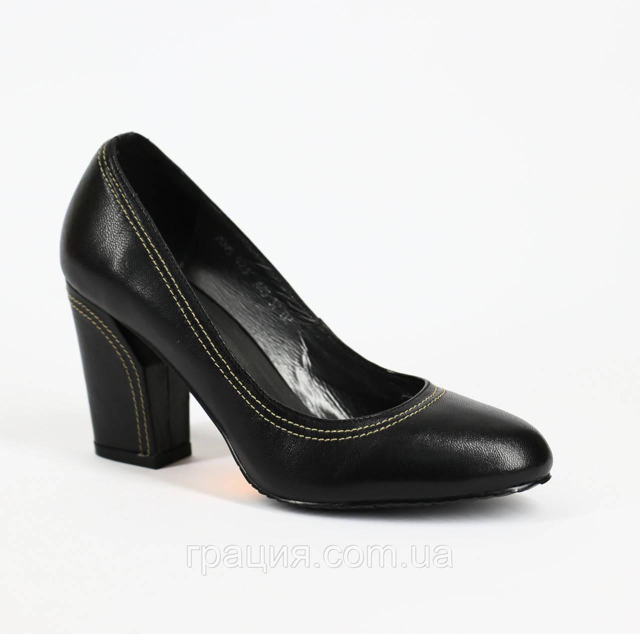 Жіночі туфлі з натуральної шкіри, на каблуці