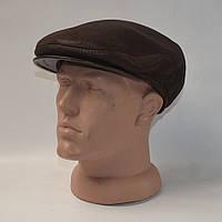 Коричневая мужская кепка с ушками