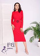 Красное прямое платье миди с поясом
