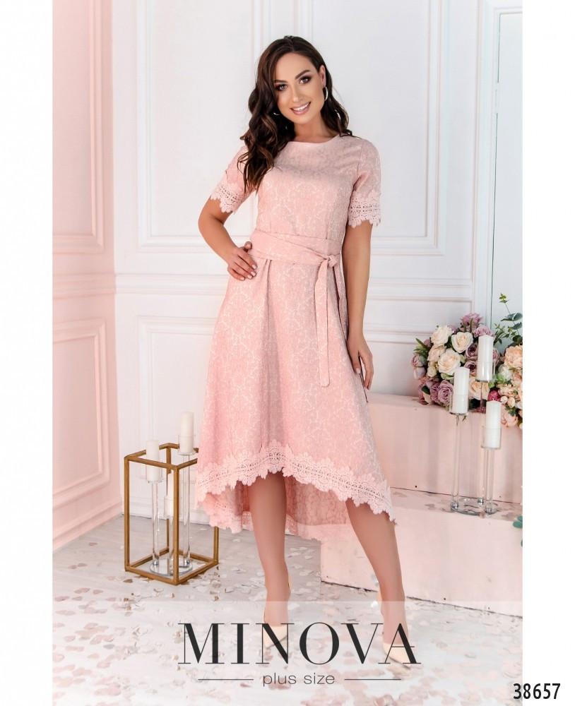 Привабливе плаття, прикрашене на рукавах і подолі мереживом з 46 по 54 розмір