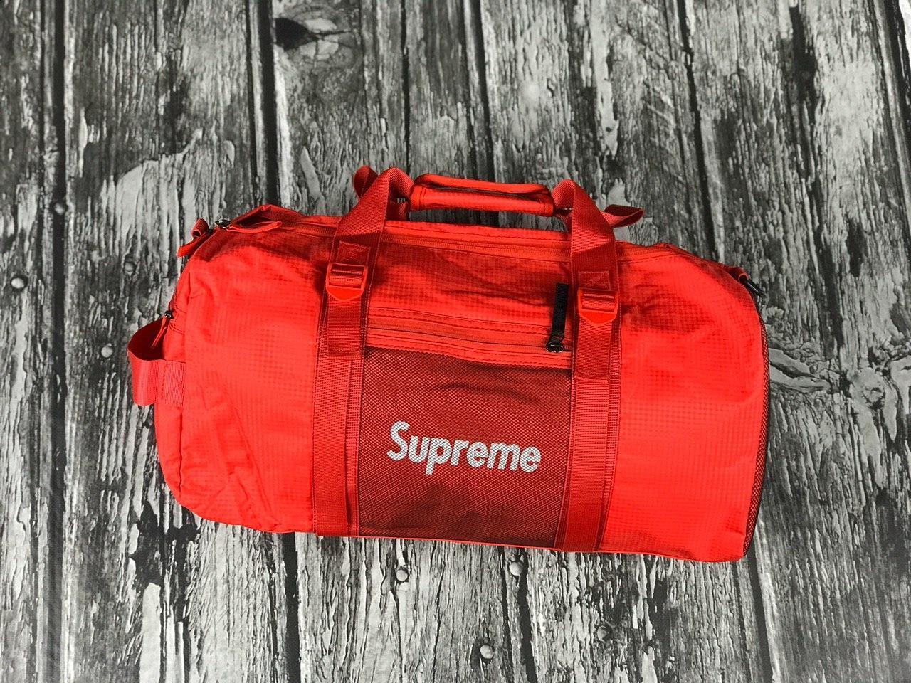 Мужская спортивная сумка Supreme красная