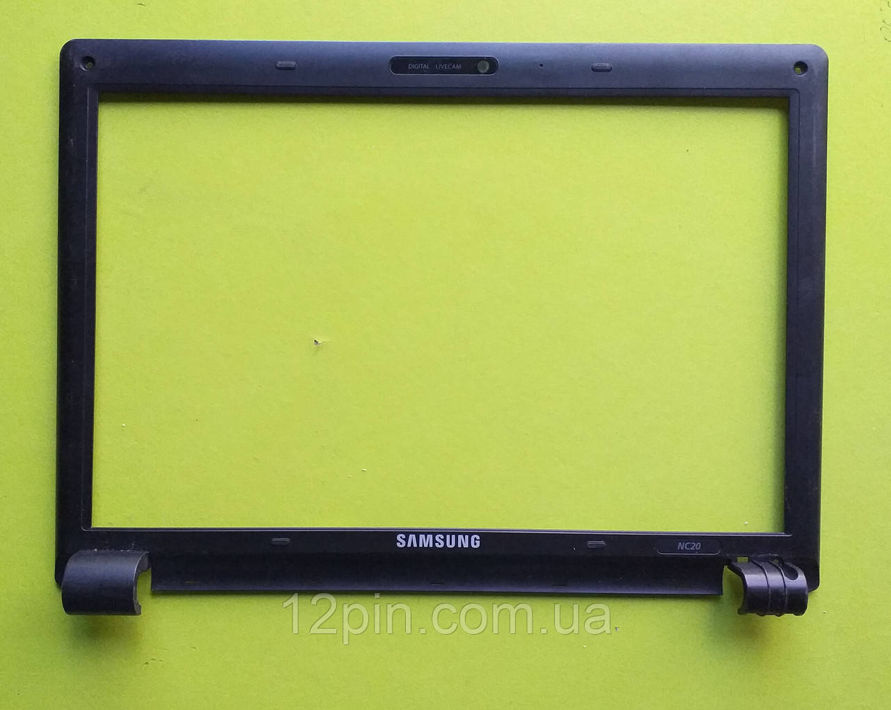 Рамка  матрицы Samsung NC20 б.у. оригинал