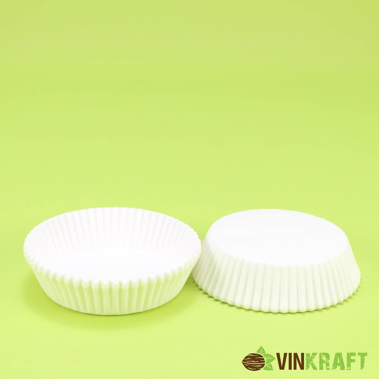 Паперова формочка для тістечок 9 (70х22,5), біла