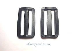 Пряжка пластикова чорна 50 мм