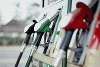 Крупные сети АЗС снизили цены на бензин и дизтопливо